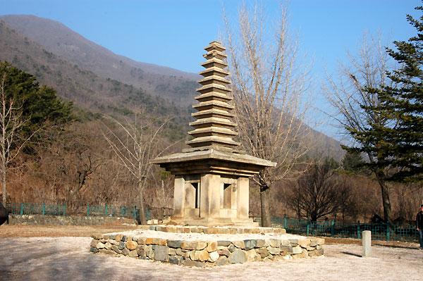 淨惠寺址十三重石塔